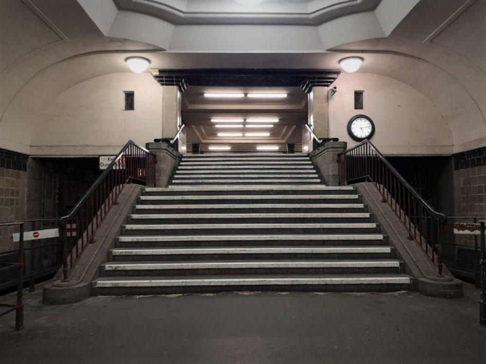 Barrierefreiheit an U-Bahnhöfen: Berliner*innen müssen sich gedulden